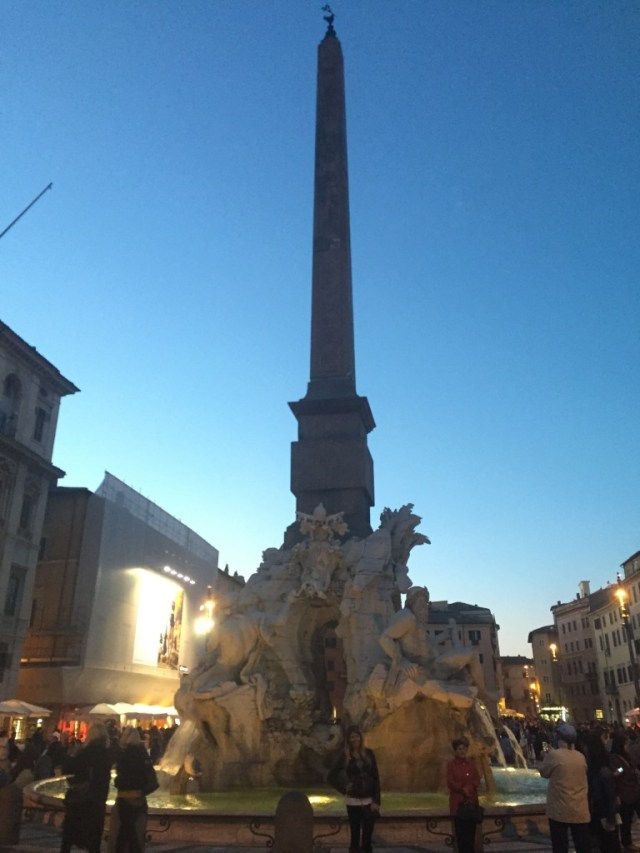 < Piazza Navona >