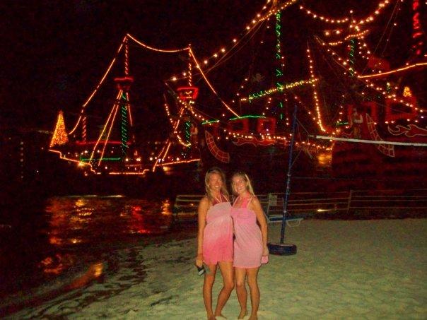 < Pirate ship cruise >