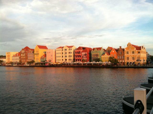 <Curacao Harbor>