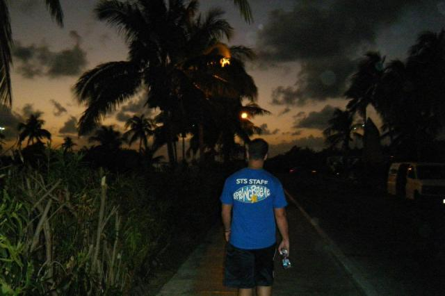 < Cancun at night >