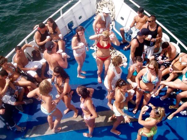 < Booze cruise >