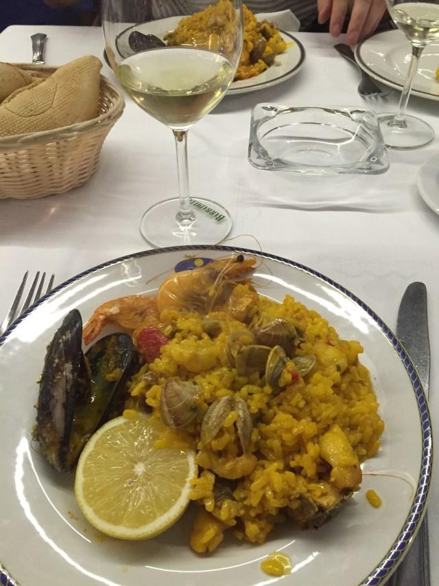 < Spanish Paella >