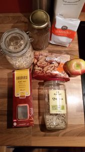 shiatsu wien - müslimischung und apfel für ein warmes Frühstücksmüsli
