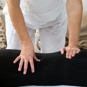 Shiatsu: trattamento schiena in posizione prona