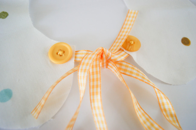 yellow ribbon collar