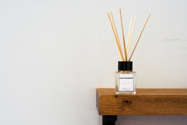 reed diffuser wild flowers shim shimmer wild flowers luxury scented candles hand made in england