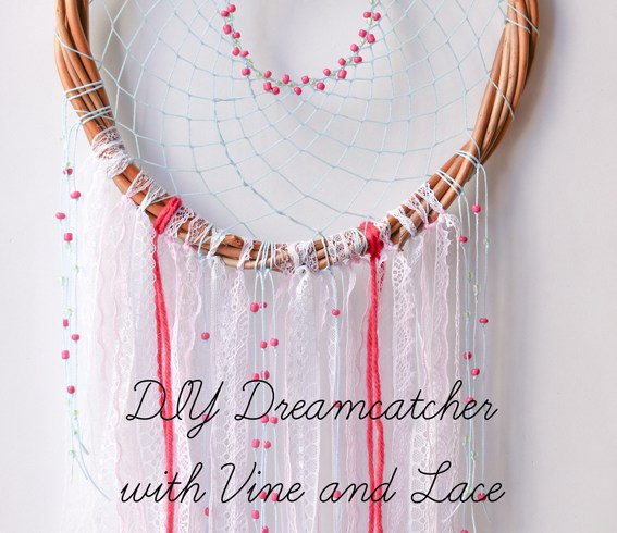DIY Dreamcatcher with Vine and Lace