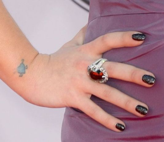 asciugare smalto unghie