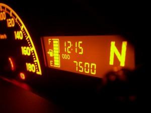 本文と関係ありません。夏季講習の帰りに 7,500km になりました。2008-08-01 撮影