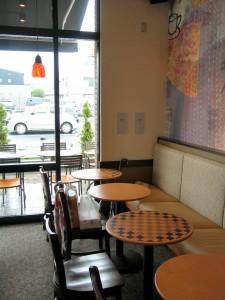 土浦のスターバックス店内の様子。2008-08-17 撮影(本文と関係ありません)