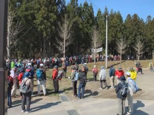 山開きの式典が終わって、入場が始まった瞬間。