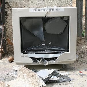 broken-computer.jpg