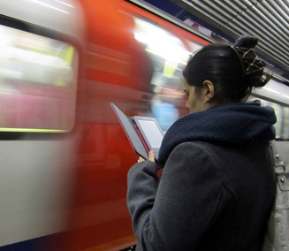 kindle-on-the-tube.jpg