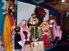 outdoor-nativity-scene.jpg