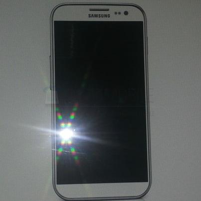 samsung-Galaxy-S4-Leak-02-thumb.jpg