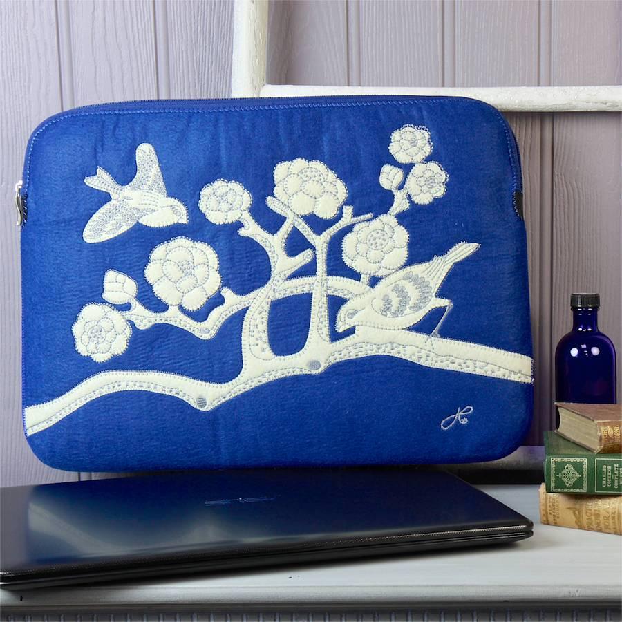 original_jan-constantine-china-blue-laptop-sleeve