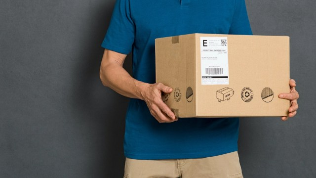 Shipping Label: How They Work & How to Print  ShipBob