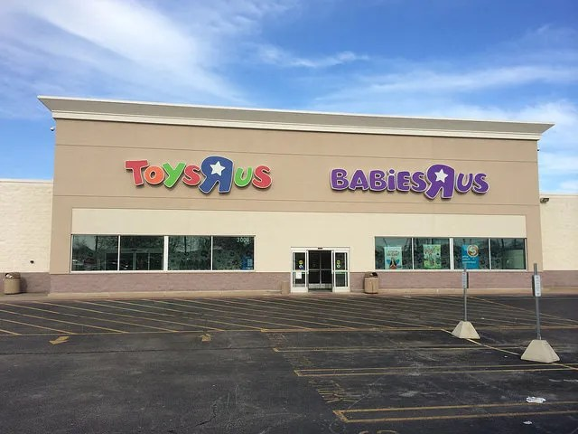 Toys R Us files Bankruptcy