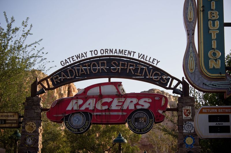 Radiator Springs Racers - ההרפתקה הקליפורנית של דיסני
