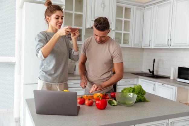 ערב-רומנטי-בבית-לבשל-יחד