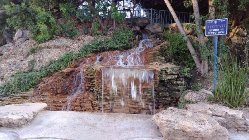 מקומות רומנטיים בתל אביב - כיכר היל