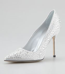 Manolo Blahnik – BB Crystal Pump in Silver