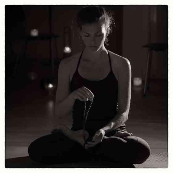 Maria Hallberg Äijä, yogalärare på Shiva Shakti Yoga