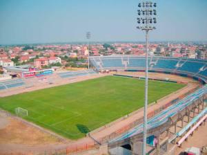 Stadiumi Loro Boriçi