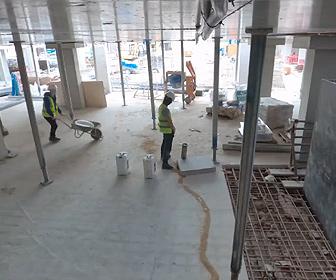 【衝撃】建設現場の作業員が未完成のパイプに小便をする衝撃映像