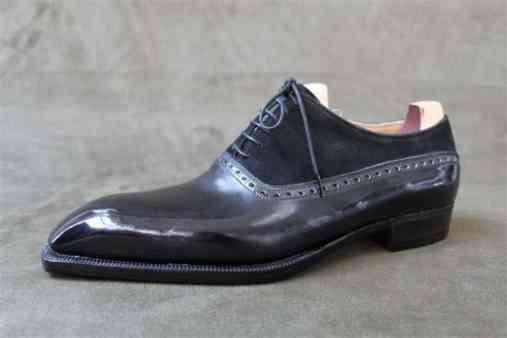 Tvåtons-oxford-balmoral på Perfetta-lästen, i svart läder och svart mocka.