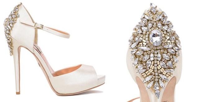 Badgley Mischka's bruidsschoenen. Bekijk hier deze te gekke Badgley Mischka bruidsschoenen: satijn, vintage en kristallen decoraties. Marry me!