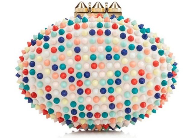 Christian Louboutin 2014 ss collectie is een uitbarsting van geweldige kleuren. We hebben de gehele collectie op een rijtje gezet; schoenen, clutches en tassen.