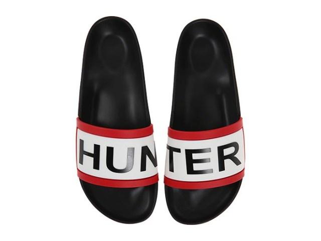 Hunter slippers: musthave 2015. Badslippers van het Britse Hunter. Bekend van de Wellingston regenlaarzen, dit seizoen populair om de badslipper.