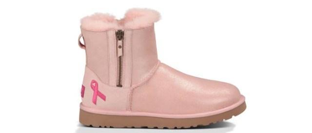Ugg Australia zet zich in voor borstkanker. Schoenenmerk Ugg Australia zet zich in voor borstkanker, maar ook New Balance en Skechers.