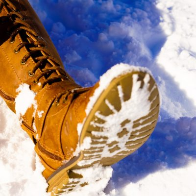 12 Best Shoes For Icy Pavements – [Review and Guide]