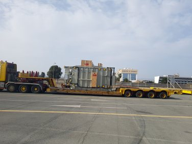 transformers positioning and cargo unloading (1)