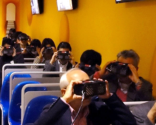 VR技術を活用した視覚体験コーナー「チーズトンネル」 (雪印メグミルク阿見工場)