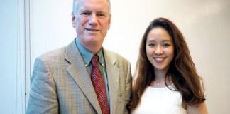 カリフォルニア・アーモンド協会のリチャード・ウェイコットCEO㊧と日本・韓国市場担当のキム・ミンジョン氏