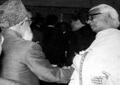 মহিউদ্দিন আহমদের সাথে গোলাম আযম