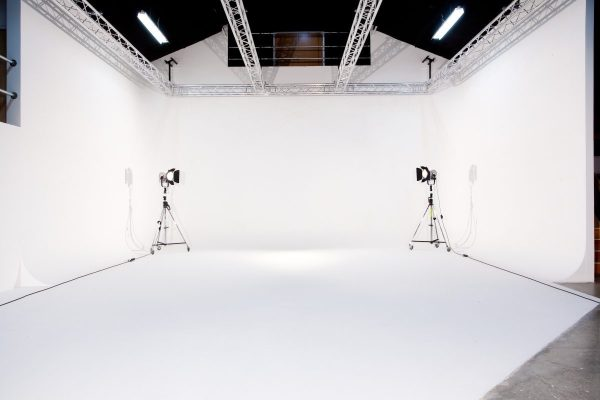 High Key Photography : White Background in Photography ...