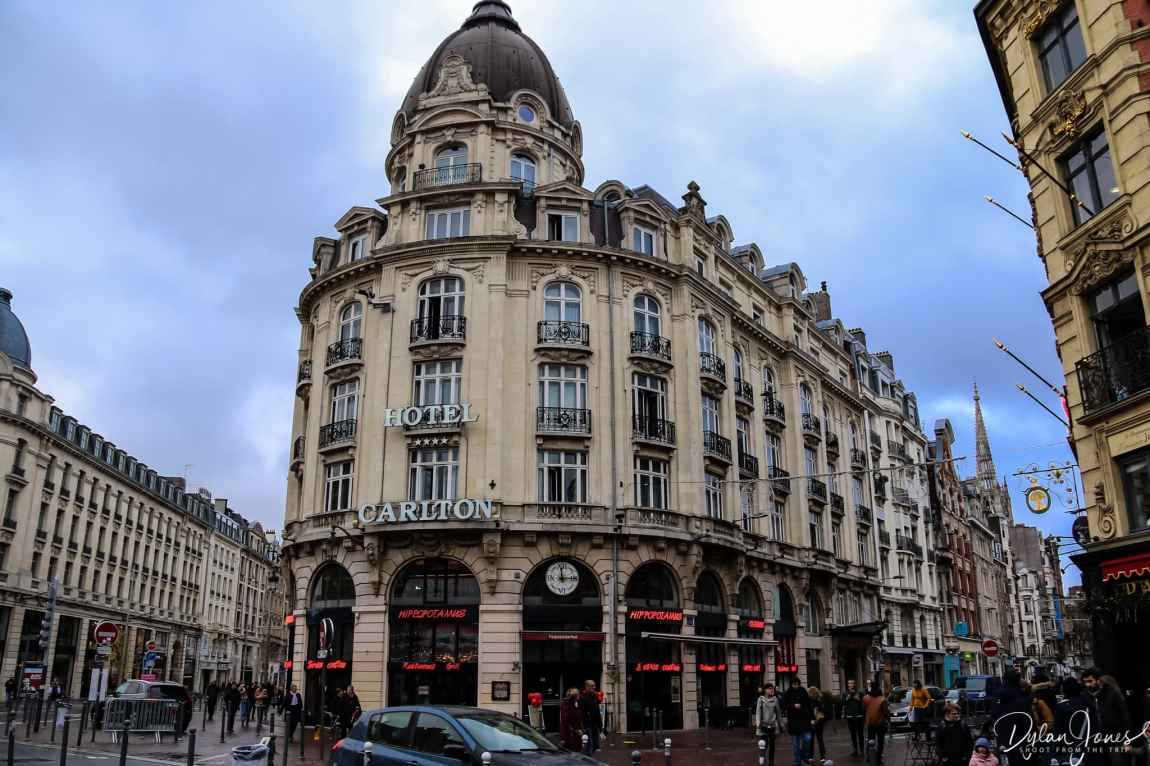 The curved front or the Hotel Carlton in Lille