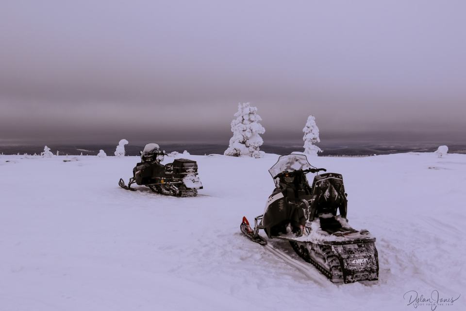 Rest break on the Snowmobile Safari Saariselkä Lapland