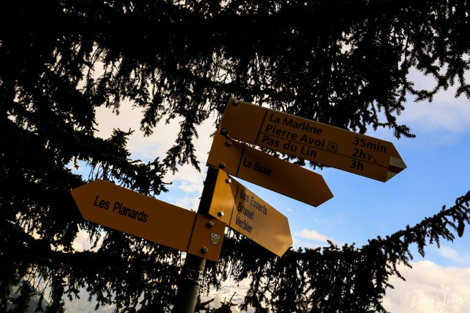 Which way? Hiking options above Verbier