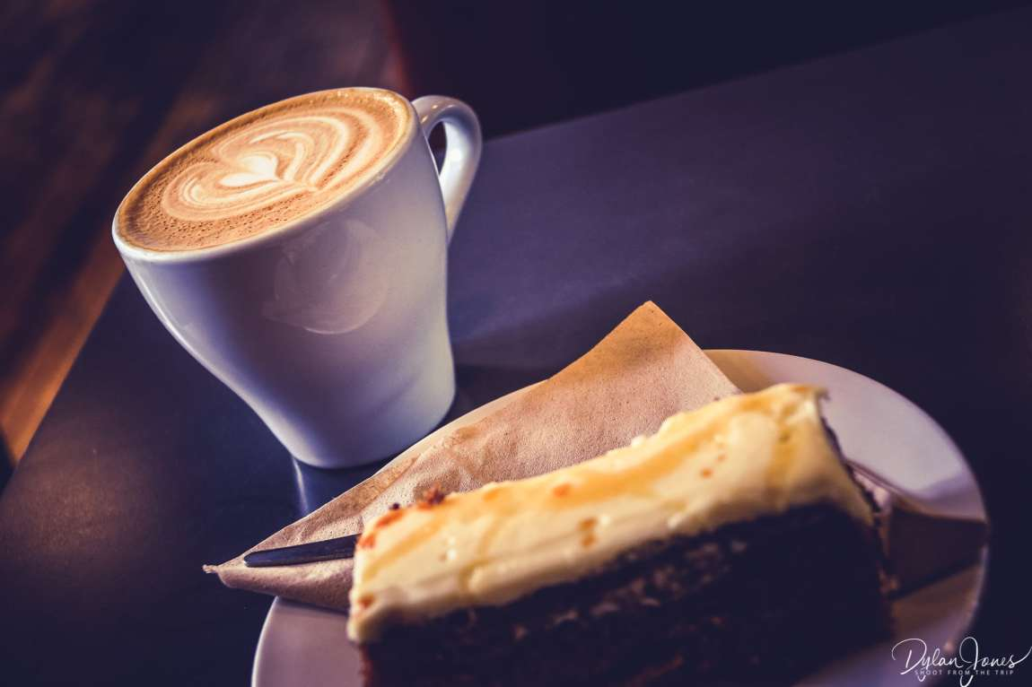 Coffee and cake at Providero