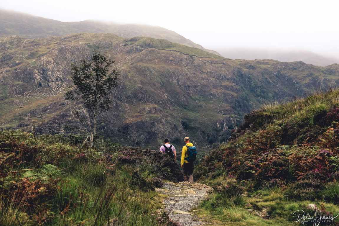 The descent begins to Llyn Dinas