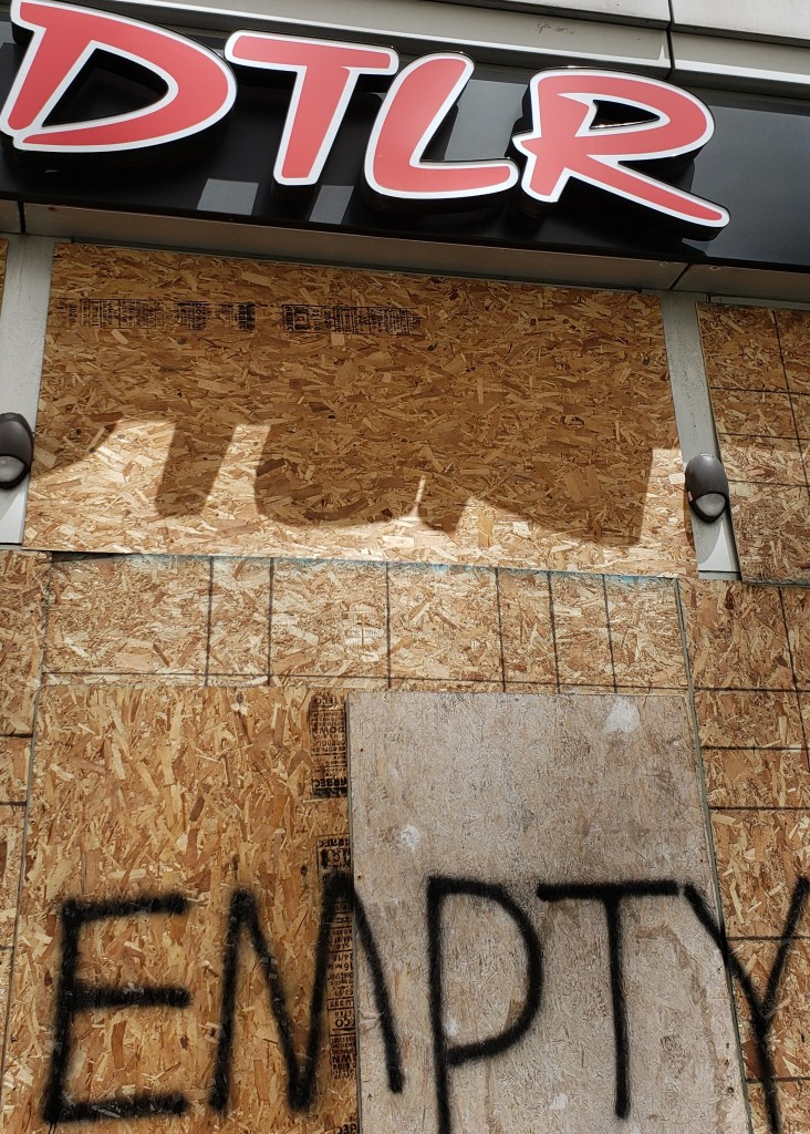 DTLR shop closed.