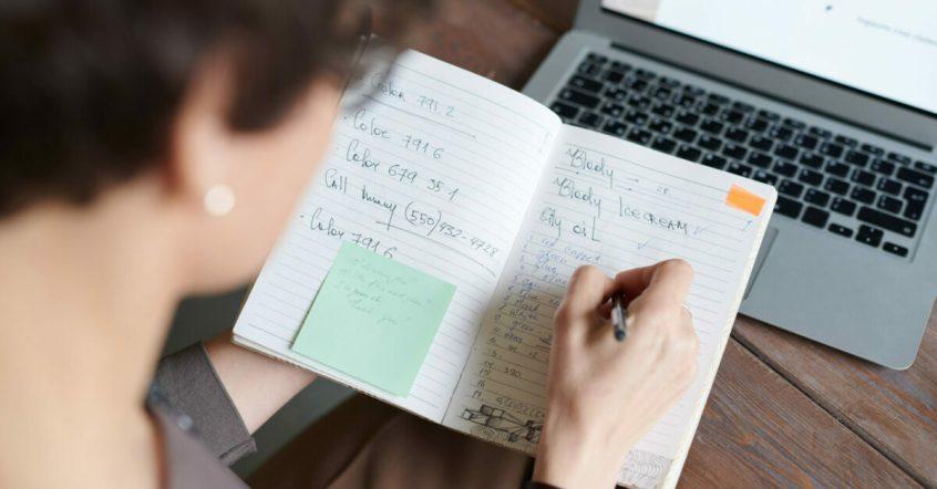 choosing benefits consultant