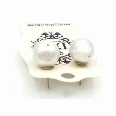 pearl earrings large