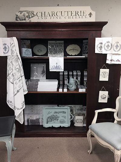 IOD Iron Orchid Designs display