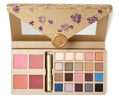 A Whole Lot of Love Giftable Set from Stila